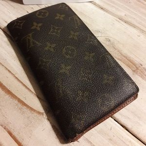 LV Checkbook wallet with credit slots